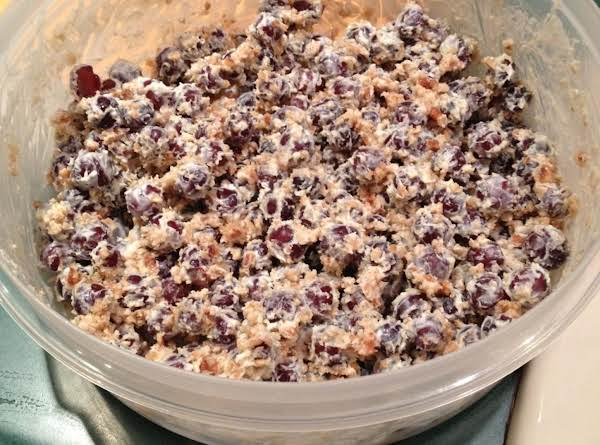 Awesome Grape Salad That Is Very Addicting.  You Can't Just Eat One Bite!