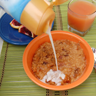 Peaches & Cream Overnight Slow Cooker Oatmeal