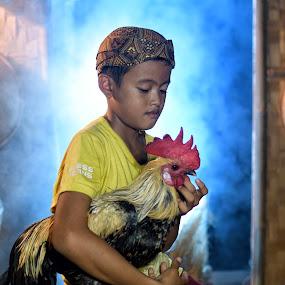 My pet is my bestfriend by Saiful N. Firmansyah - Babies & Children Child Portraits ( chicken, child, pet, child portraits, human interest, child photography, child portrait, hi, portraits, portrait,  )