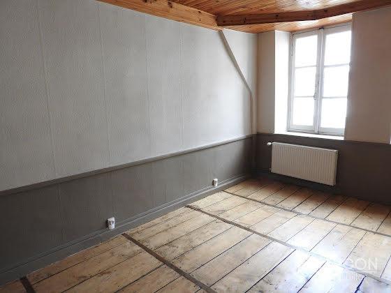 Location appartement 4 pièces 109 m2