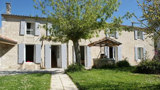 La Fermette gîte 3 étoiles pour 10 à 12 personnes Les Grandes Chaumes à Surgères en Charente Maritime Aunis Marais poitevin ouvert toute l'année