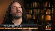 Photo: Philip Coppens (Ερπετάνθρωπος, Κρόνιος-Nephilim, Βέλγος Εβραίος 1971 –2012, υπήρξε ερευνητής εξωγήινων, συγγραφέας, ράδιο οικοδεσπότης και σχολιαστής του οποίου τα γραπτά, οι ομιλίες και οι τηλεοπτικές εμφανίσεις επικεντρώθηκαν σε περιοχές της επιστήμης και της εναλλακτικής ιστορίας, εμφανίστηκε σε 16 επεισόδια της τηλεοπτικής σειράς του History Channel με τίτλο «Αρχαίοι Εξωγήινοι»). Δείτε επίσης: http://www.dionisos12.com/mysteria/kronia-gene/erpetanthropoi