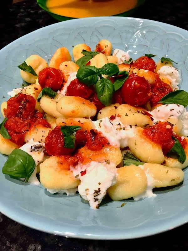 Gnocchi With Mozzarella And Cherry Tomatoes Sauce Recipe