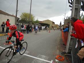 Photo: Fin de sprint rapide pour Alexis. Trop rapide ? il a faillit ne pas être sur la photo.