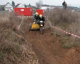 Photo: Auf dem weichem Sandboden war das Steuern nicht ganz leicht. Hier das Yamaha VMC Gespann von Andreas Huth