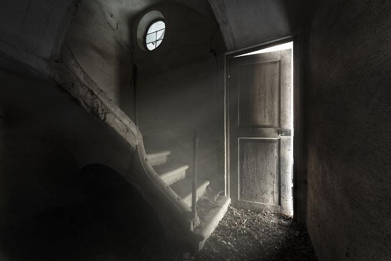 """""""Non abbiate mai paura dell'ombra. E' lì a significare che vicino, da qualche parte, c'è una luce che illumina"""" di Giavellotto71"""