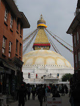 Photo: boudhanath...il tempio buddista per eccellenza a Katmandu...