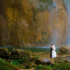 Wedding photographer Márton Martino Karsai (martino). Photo of 28.01.2014