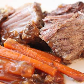 CROCK-POT ROAST BEEF DINNER.