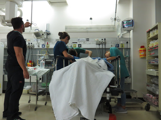 Trauma doctors' war on death in Cape Town hospitals and 5 other highlights from Vrye Weekblad