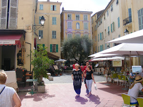 Photo: The pedestrian-only streets of Old Town just off the bay are crowded with shops and restos.