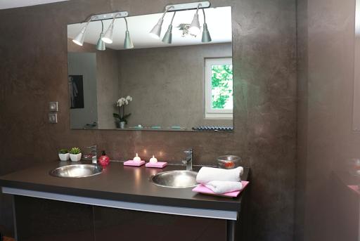 mur-beton-cire-salle-de-bain