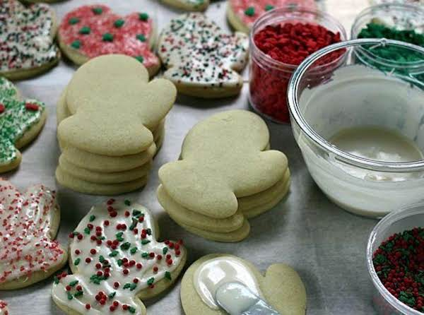 Awesome Sour Cream Sugar Cookies With Frosting Recipe