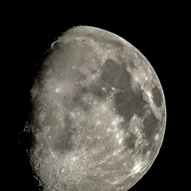 Moon by Vaibhav Jain - Black & White Macro ( moon, black and white, white, night, satalite, space,  )