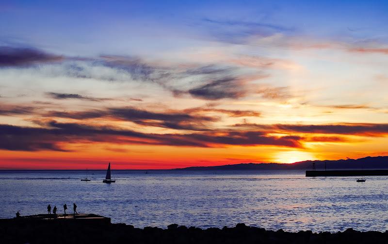 Un tramonto porta con se la speranza in un giorno migliore - Genova(18/01/2020) di BeatriceCapone69
