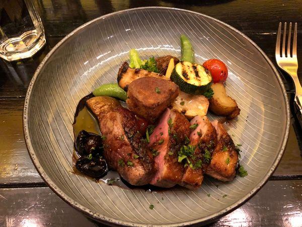 MATTONI Deli Cafe 馬多尼生活餐坊 美術館豪宅中,意外讓人愛上的 櫻桃鴨胸 加拿大鴨肝 無花果油醋醬汁