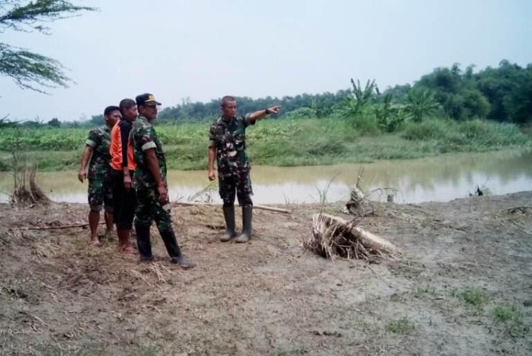 Ngawi: Dandim Mojokerto Tinjau Wilayah Rawan Banjir akibat luapan kali lamong