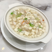 C12. Seafood and Tofu Soup 海鮮豆腐羹