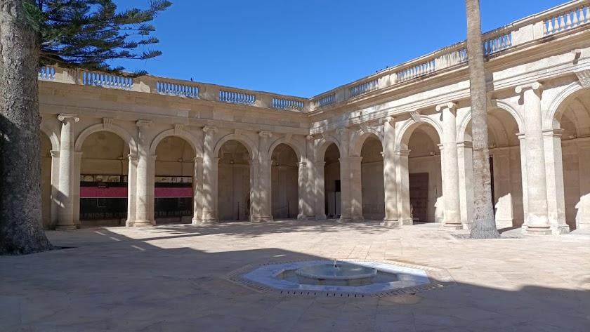 """La Iglesia de Almería \""""recupera este espacio\"""" para la cultura."""
