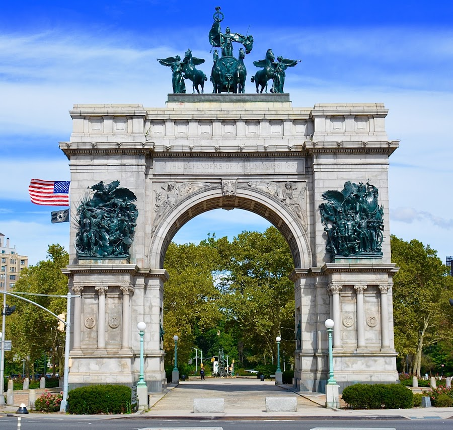GRAND ARMY PLAZA by Doug Hilson - Buildings & Architecture Public & Historical ( civil war, monument, new york, brooklyn )