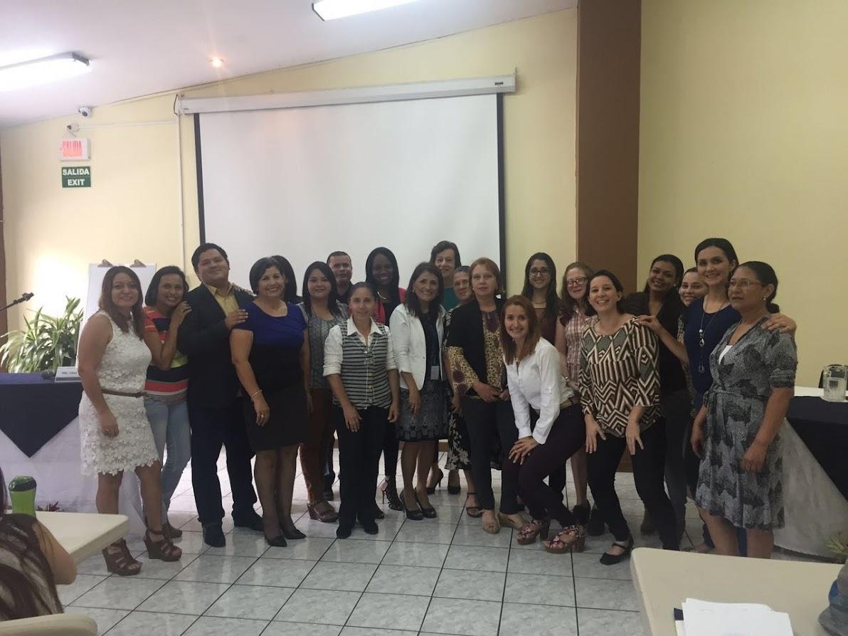 TRABAJADORES SOCIALES DEL MINISTERIO DE JUSTICIA Y PAZ, PARTICIPARON EN EL I SIMPOSIO DE FAMILIAS Y CONFLICTIVIDAD SOCIAL