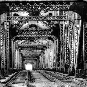 Harahan Railroad Bridge in Memphis by Billy Morris - Buildings & Architecture Bridges & Suspended Structures (  )