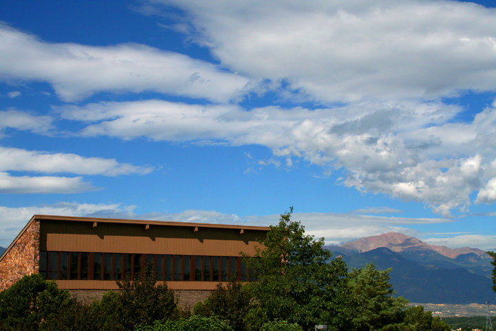 Photo: A shot of Sanders and Pikes Peak Mountain in the distance.
