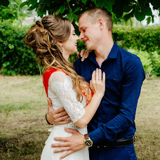 Wedding photographer Oksana Gnennaya (dp190192goi). Photo of 08.07.2018