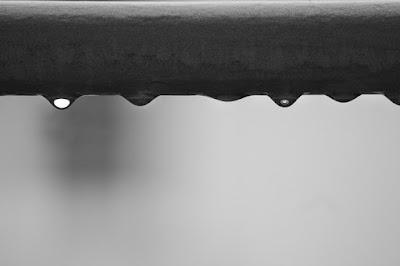 Gocce di pioggia di driveinsaturday