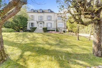Maison 11 pièces 500 m2