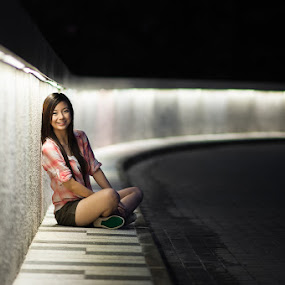 Julia by Chen Siong Chong - People Portraits of Women