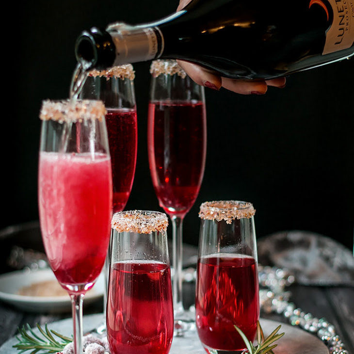 Cranberry Ginger Sparkling Holiday Cocktail Recipe