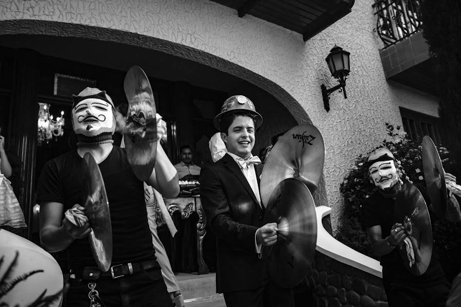 Wedding photographer Valery Garnica (focusmilebodas2). Photo of 08.07.2019