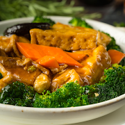 Deep Fried Bean Curd with Broccoli & Black Mushrooms