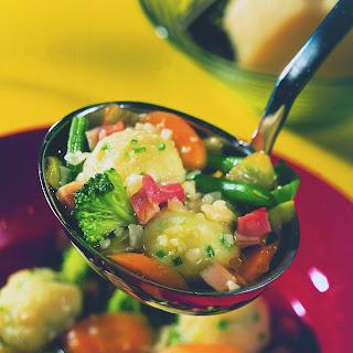 Gemüseeintopf mit Schnittlauchklößchen