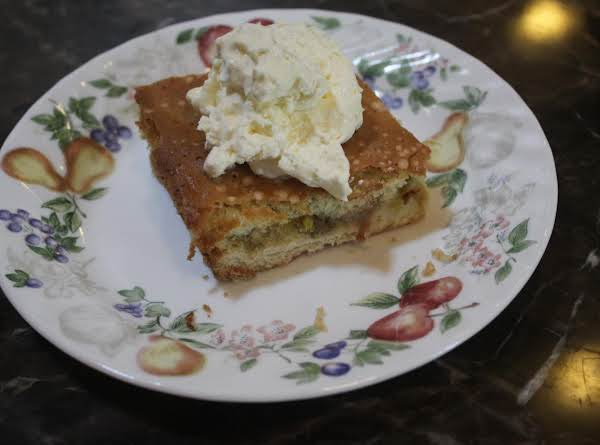 Grandma Angie's Rhubarb Dream Pie