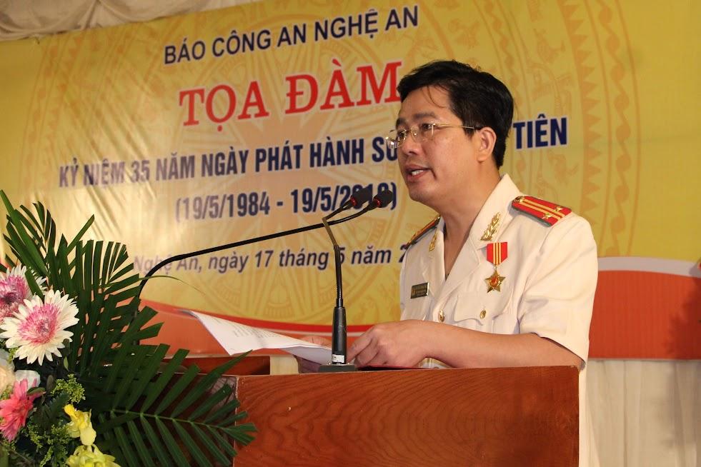 Trung tá Nguyễn Xuân Thư, Trưởng phòng Báo Công an Nghệ An phát biểu tại buổi tọa đàm