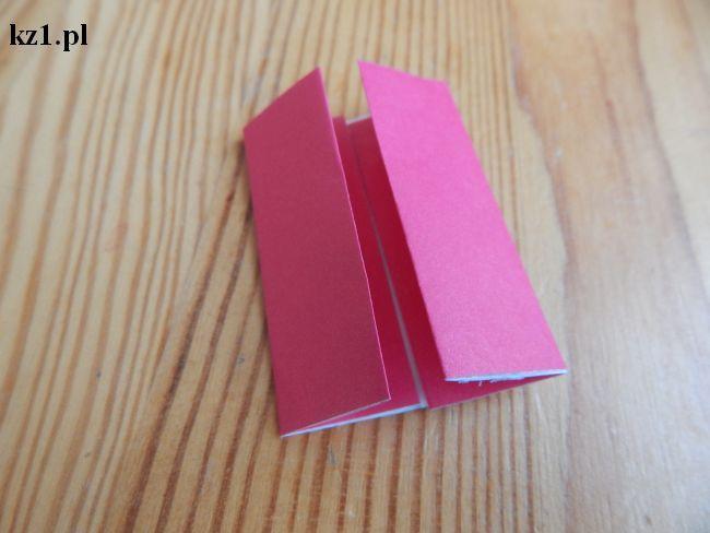 złożona kartka papieru