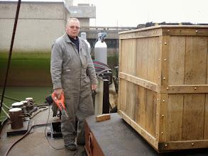 Photo: Theo aan het werk aan de kolenbak op de bok