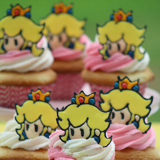 Princess Peach Cupcake