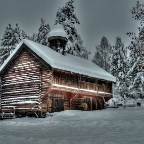 The old storehouse by Jan Myhrehagen - Buildings & Architecture Public & Historical ( old buildings, old storehouse, winter, hdr, museun )