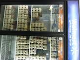 Photo: Nos dirigimos a las neveras para comprar los huevos y el Cool Whip Frosting.