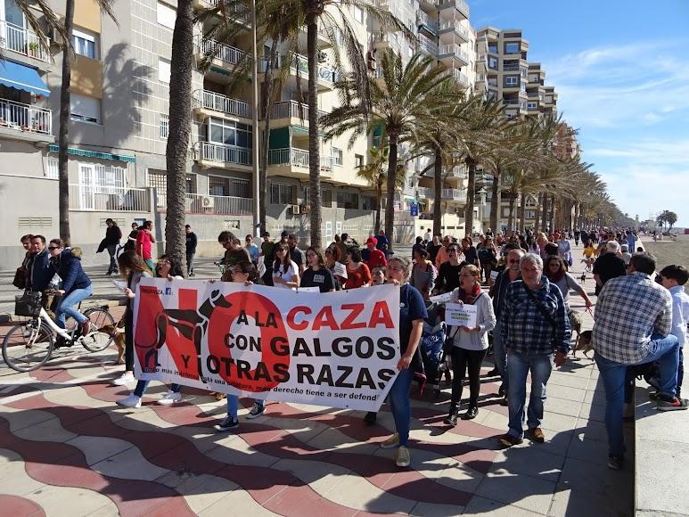 Concentración contra la caza celebrada este domingo en Almería.