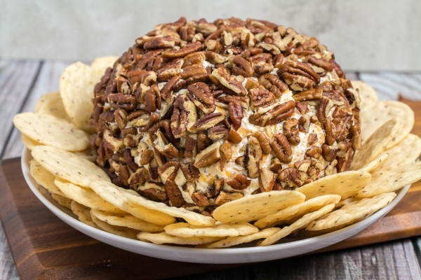 Easy Ranch Cheese Ball Recipe | Yummly