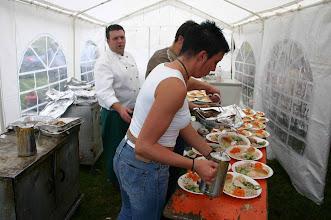 Photo: le traiteur Lawarée veillait au bons soins des plats