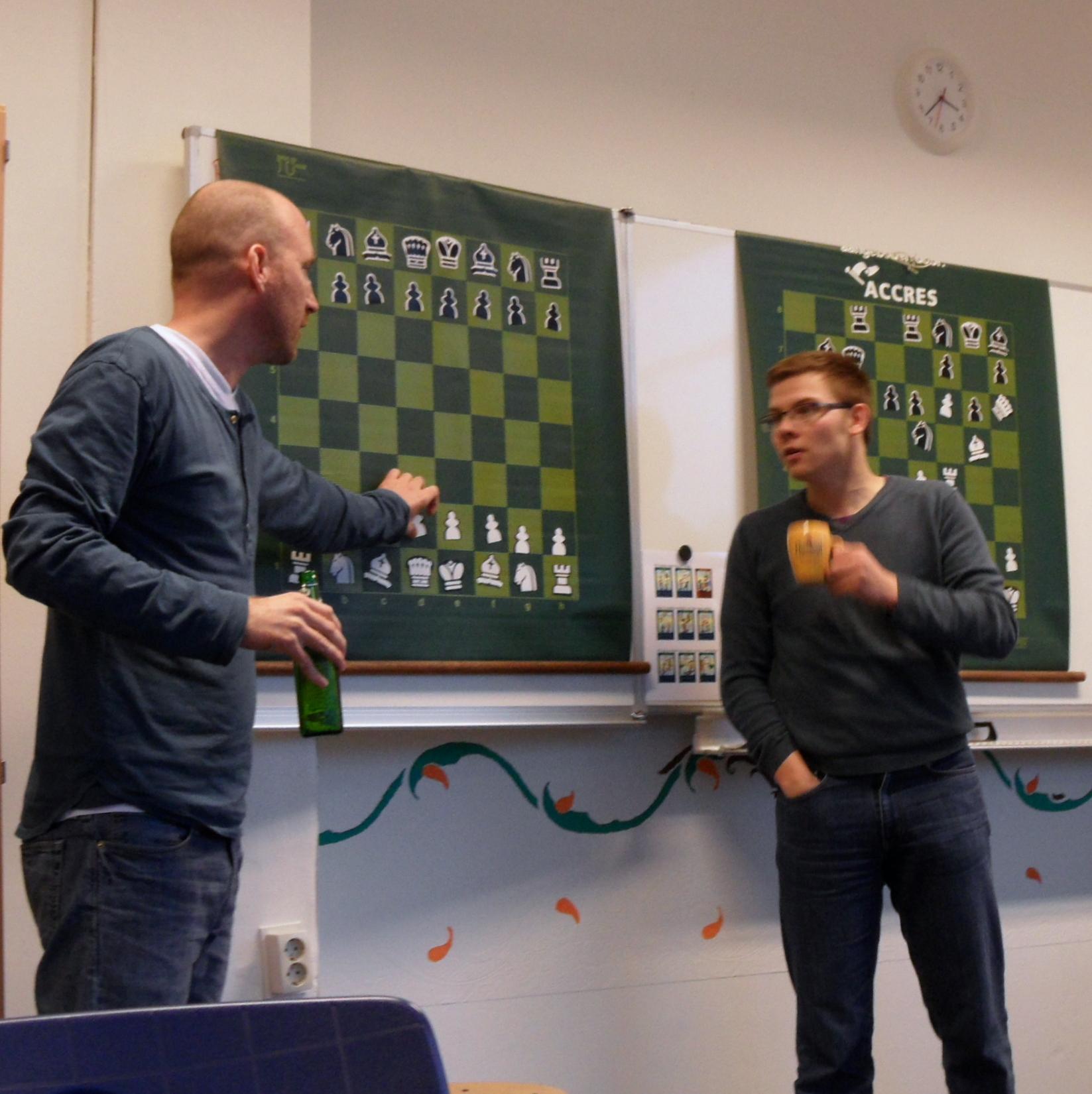 Photo: Duopresentatie met verschillende consumpties (Merijn van Delft en Pieter Roggeveen)