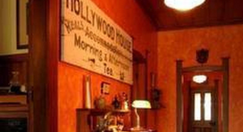Holly Homestead B&B