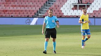 Arcediano Monescillo en el Almería-Las Palmas (0-1).