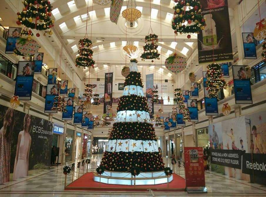 DLF_promenade_Christmas_Decor