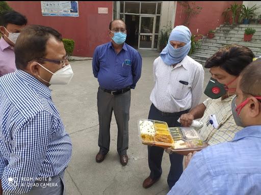 जिलाधिकारी ने सरस्वती मेडिकल काॅलेज का किया औचक निरीक्षण